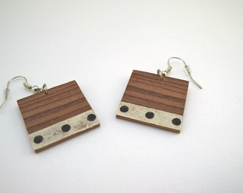 earring square stitch