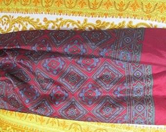 Scarf cravat silk satin arabesque burgundy vintage retro 50s style.