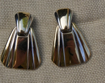 Elegant Gold-and-White Metal Clip-on Earrings
