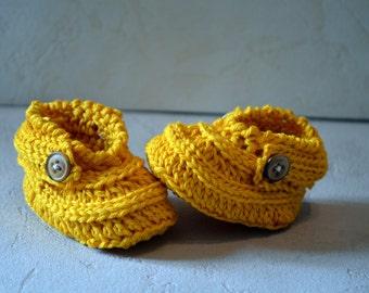 Crocs baby booties 0-3 months