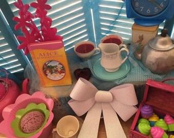 Alice In Wonderland Party Supplies