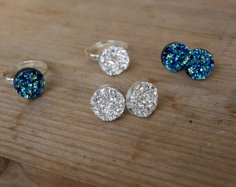 Ring or ear studs druzy blue ⋆ night with iridescent or silver