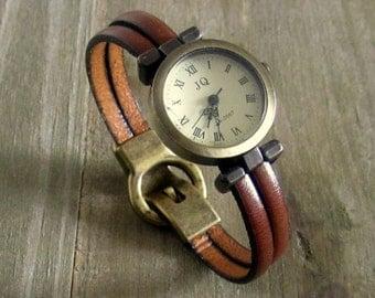 Bracelet Montre,  Cuir Véritable Camel, Cadran Bronze, Fermoir Bronze Aimanté.