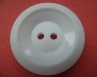9 buttons 24 mm white (1062)