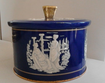 Vintage tin box door-English style bonbon/Wedgwood