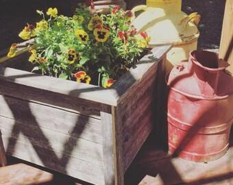 Outdoor patio box