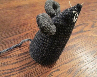 Handmade 100% Tweed mouse - Name: 'Gus'