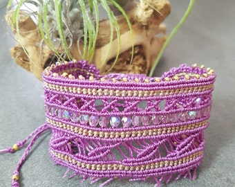 Cuff Bracelet woven in micro-macrame and pearls of Bohemia