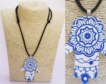 Necklace hand of Fatima (blue flower)