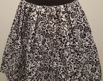 Black& White Floral Skirt w/ Pockets