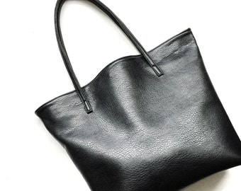faux leather tote handbag, vegan leather bag, cruelty free handbag, black tote handbag, black leather tote, black bag, minimal tote bag