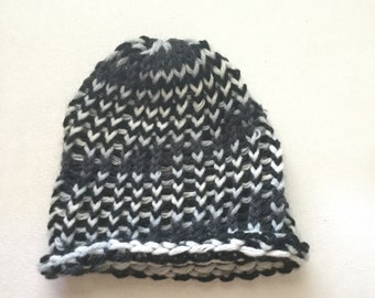 Black and White Knit Hat (Baby/Doll Size)