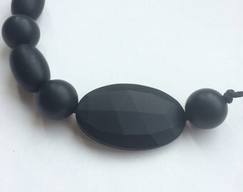 Silicone teething necklace: Onyx Cluster