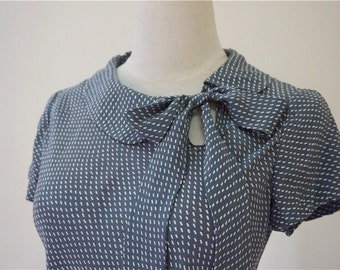 Unused Grey Dotted silk blouse/top with bow/rosette, pure silk/100% silk, grey