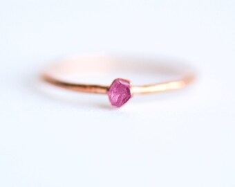 Silver Electroformed Rough Pink Sapphire Gemstone Stacking Ring. Pink Sapphire Ring. Pink Gemstone Ring. Stackable Gemstone  Rings. Gift .
