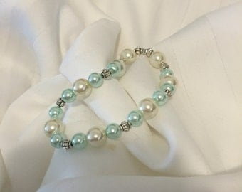 Mint Green Pearl Stretch Bracelet