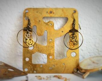 Earrings gears