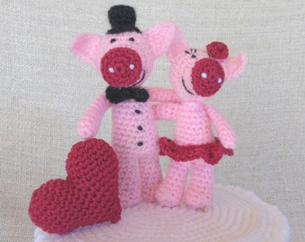 Pigs and heart wedding cake topper for your cake wedding figurine