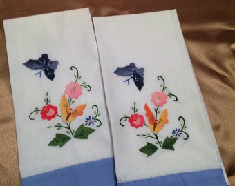 Vintage Matching Tea Towels Appliqued and Hand Embroidered