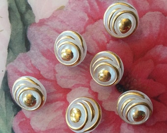 6 marvellous white collector glassbuttons - golden handpainted in Germany in the fifties