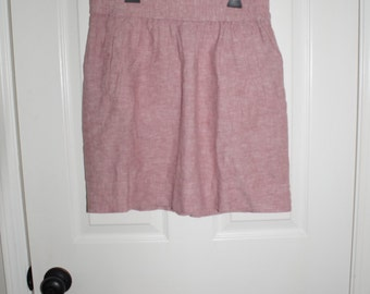 Pink skirt with pockets