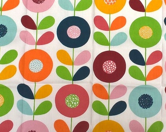 Retro Scandinavian Floral Fabric Remnant 20 x 30 inches.