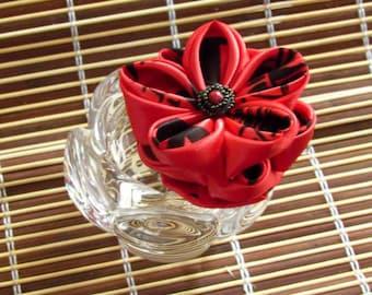 Kanzashi flower red