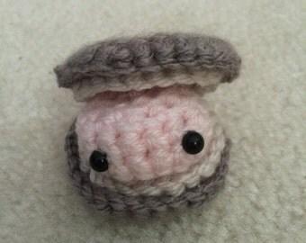 Small Clam Amigurumi