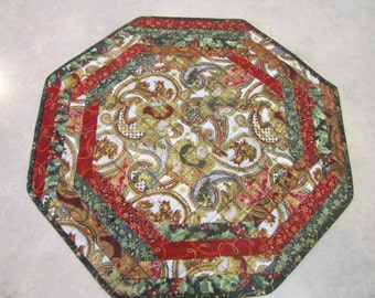 Quilted Table Topper Christmas Metallic Paisley print