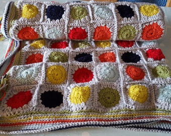Bright circles blanket