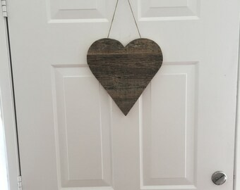 Reclaimed wood heart wall decor