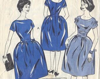 1950s Vintage Sewing Pattern B38 DRESS (1075)  Style 1252
