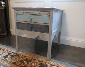 SOLD ** Drexel End Table Cottage Beach Barn Wood