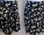Vintage 90s Black Floral Skort / Mini Skirt Shorts with daisy flower print / size 28 to 30 waist