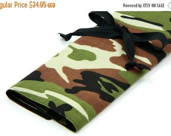 Sale 25% OFF Large Knitting Needle Case - Camo with 30 black pockets for straights, circular, double pointed or paint brushes