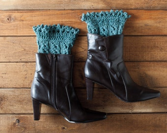 Pikabu Knit Boot Toppers - Pattern PDF -- Quick knit gift!