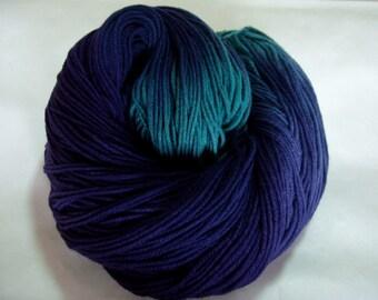 SEAWEED, hand dyed yarn, sock yarn, handpainted sock yarn, extra soft yarn, superwash yarn, merino nylon yarn, fingering weight, 440yds