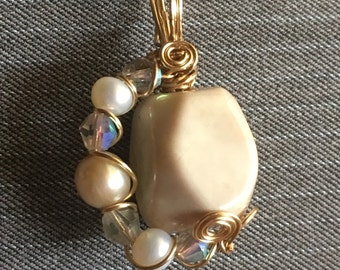 Agate, Pearl and Crystal Pendant