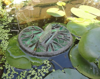 Lily Pad with 3D Glass Butterfly, Floating Stained Glass Art Sculpture, for Water Gardens, Outdoor Rooms, Home Decor, Mosaic Art for Ponds,