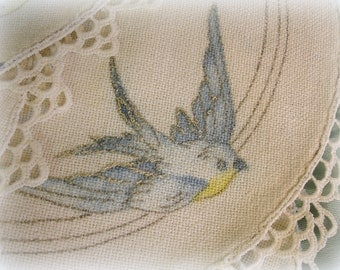 6 vintage doilies in the round set of 4 matching with painted blue birds 2 round linen with crocheted edgings