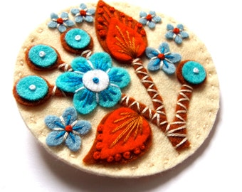 BLOSSOM felt brooch pin with freeform embroidery - scandinavian style