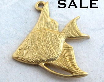 Brass Tropical Fish Charms (4X) (V459) SALE - 25% off