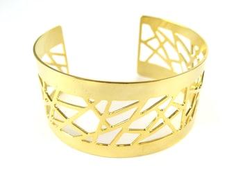 LAST - Gold Plated Geometric Design Cuff - (1x) (K704)