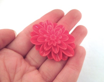 Red oval mum cabochons 42x30mm, pretty chrysanthemum cabs