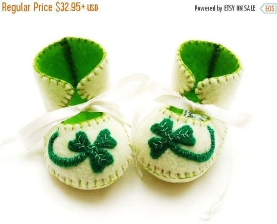 20 % off Fall Sale Baby Booties Soft Baby Shoes First Baby Booty Baby Slippers Shamrock Lucky. St patricks Day Baby. Irish Baby Gift