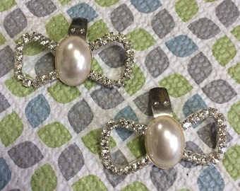 Stunning Rhinestone and Pearl Bow Shape Silver Tone New Vintage Stock Shoe Clips Lot 29