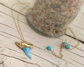 Gold Dipped Shark Tooth, Shark Tooth Necklace, Beachy Necklace, Turquoise Dyed Shark Tooth, Mermaid Jewelry, Summer Necklace, Gold Chain