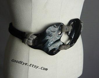 Modernist DOG BONE Belt / Designer VIGNERI 1982 Signed / Medium 28 to 40 inch / Cinch Waist Black Plexiglass /  Wonder Woman