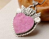 SOLD! <<<<<<<<<----------------Cobalto Calcite Druzy Heart Pendant Necklace