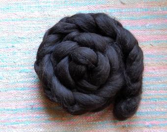 Shetland-NAKED (undyed) fiber  - Shetlad Top (roving) in natural Black color